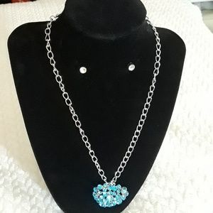 SILVER AND RINESTONE NECKLACE SET